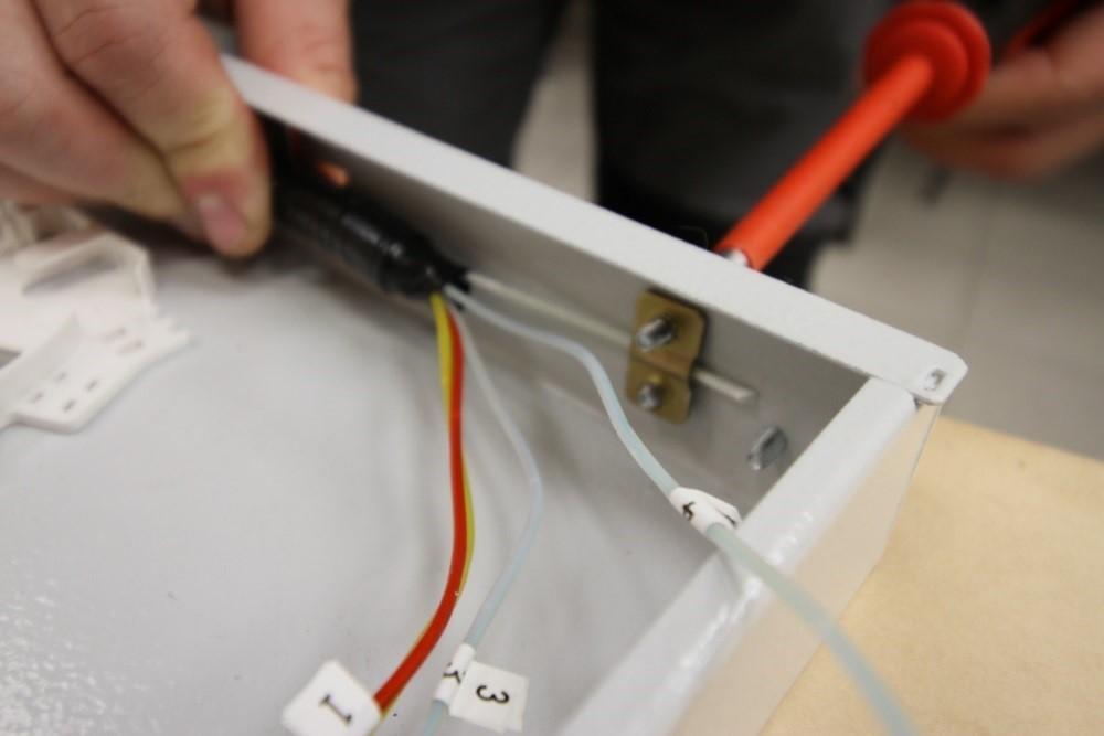 Крепление ЦСЭ к стенке оптического кросса