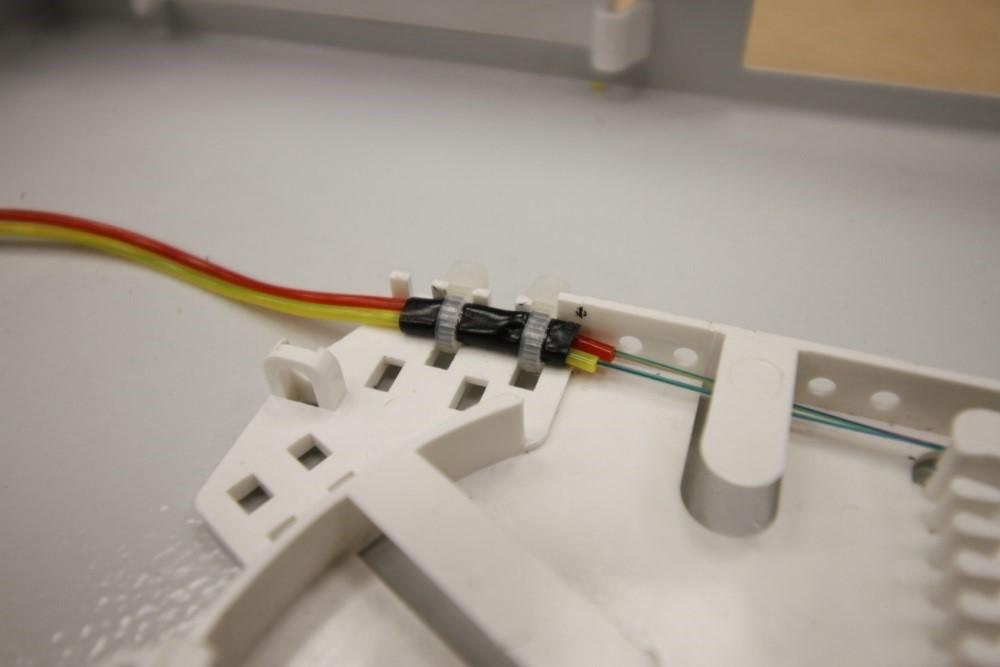 Крепление оптических модулей на вводе в кассету